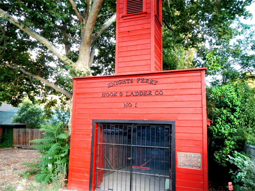 1_Geocache#2_firehouse_500x375