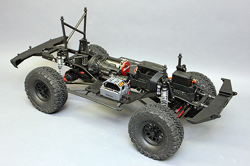 Axial SCX10 Chassis Build 12